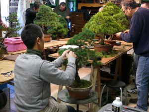 Shiino Kentaro pendant un atelier chez Guy Maillot